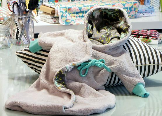 baby schlafsack mit kapuze n hkurse und n hschule in. Black Bedroom Furniture Sets. Home Design Ideas